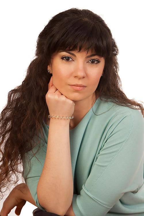 необычной актриса софья торосян фото можно отличить